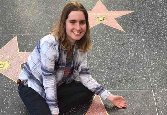 Barbara đến từ Brazil đang học trường Tư thục ở California