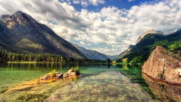 photo of a lake in germany