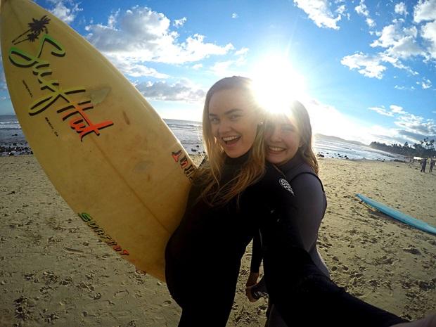 exchange students surfing in hawaii