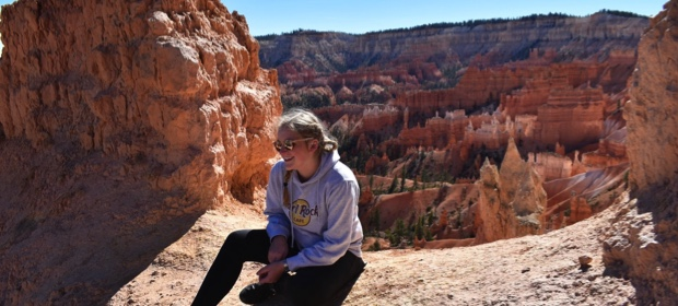 exchange student davanti in visita al Gran Canyon in Arizona
