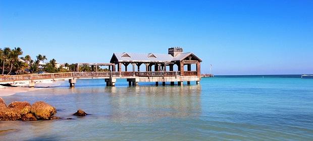 Vakker utsikt over havet fra kysten av Florida