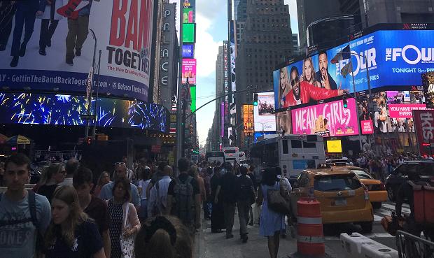 Times Square Soft Landing Campillä kuvattuna
