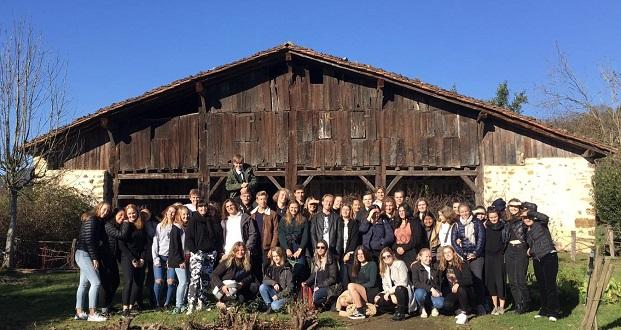 Vaihto-oppilaat retkellä San Sebastianiassa