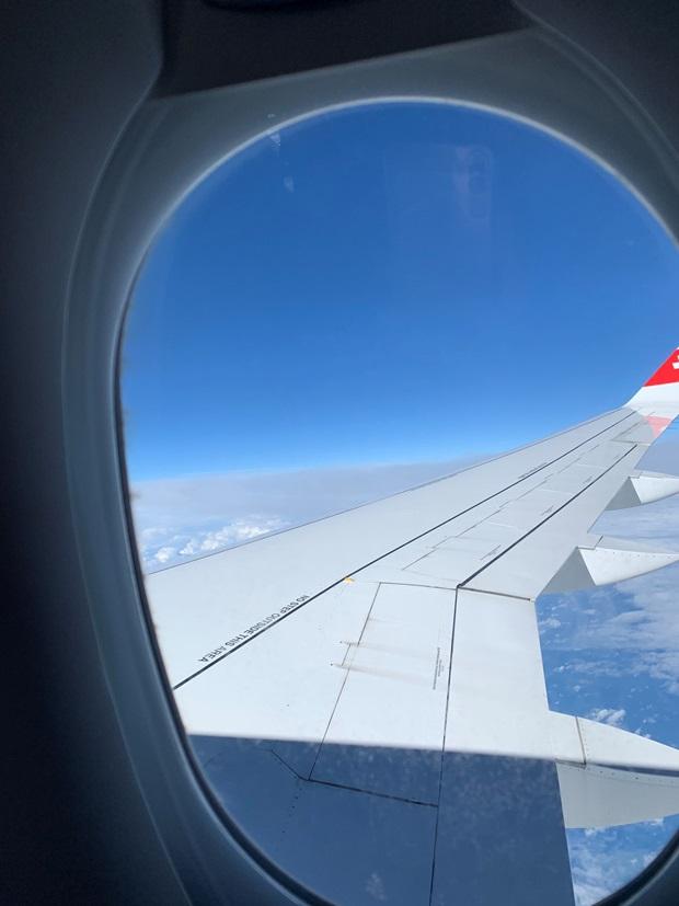 Utsikten ut fra vinduet i et fly