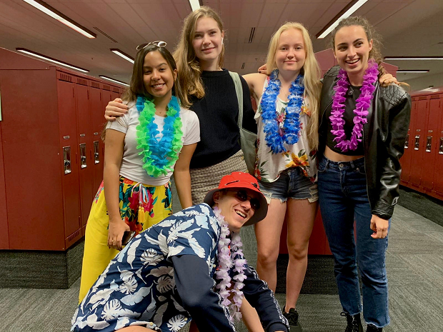 Spirit Week med hawaii-tema
