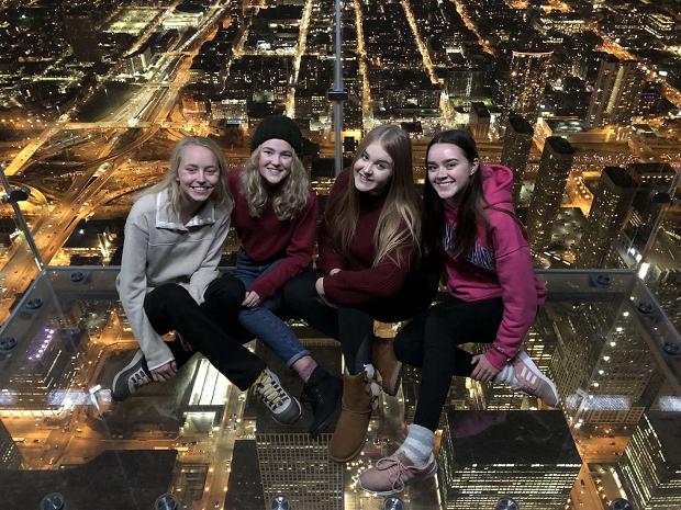 Utbytesstudenter i skyskrapa i chicago