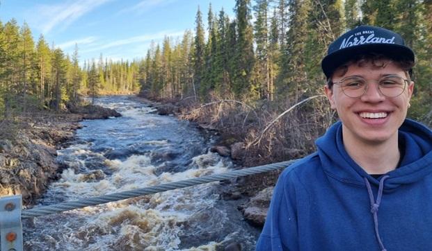 Tysk utbytesstudent i naturen i Norrbotten