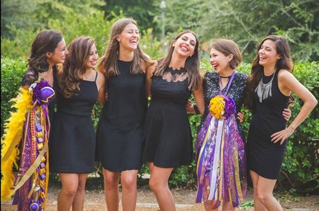 Exchange Student in USA festeggiano il prom