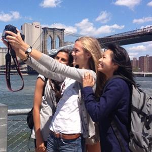 Tytöt New Yorkissa
