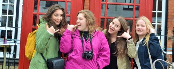 studenti imparano l'inglese come exchange student in Gran Bretagna