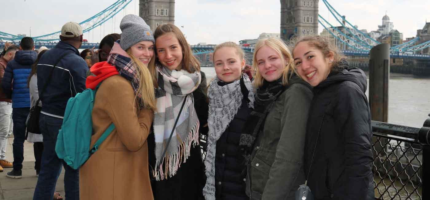 Chương trình Trung học tại Anh của Educatius năm 2019 cho Học sinh Quốc tế