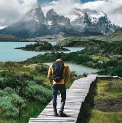 Du học sinh leo núi tại Argentina