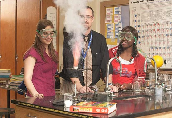 Educatius Boarding Exchange Program Chemistry Class