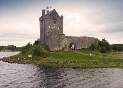 Antico castello irlandese, una nuova scoperta per gli exchange student durante l'anno scolastico in Irlanda