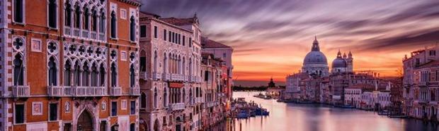 Byutsikt i vakre Italia
