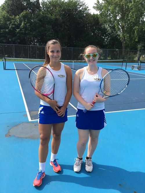 Tennistä hostsiskon kanssa