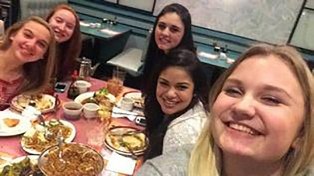 Utvekslingsstudent sammen med venner