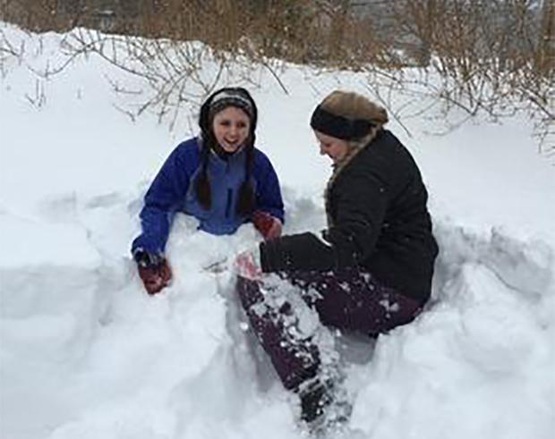 Utvekslingsstudener ute i vinteren