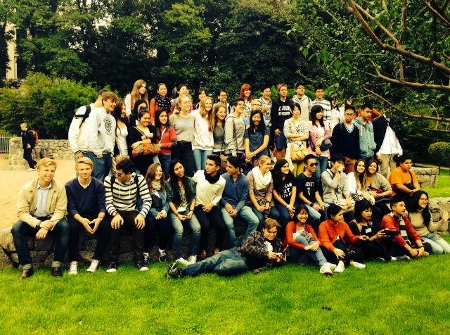 Stor gruppe utvekslingsstudenter i Tyskland.