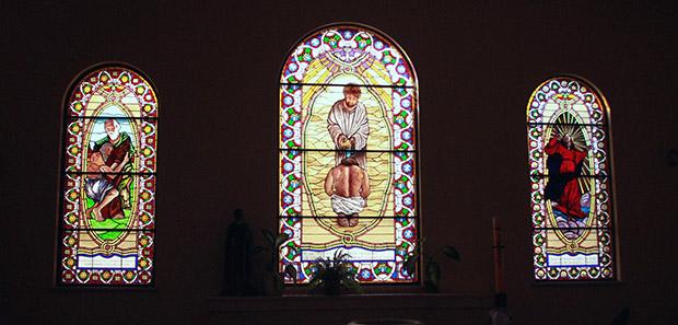 Inne i en kirke i Argentina
