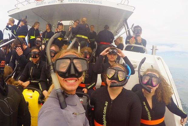 Utvekslingsstudenter klare for dykking i Australia