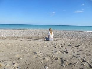 Norsk utvekslingsstudent på stranda i Spania