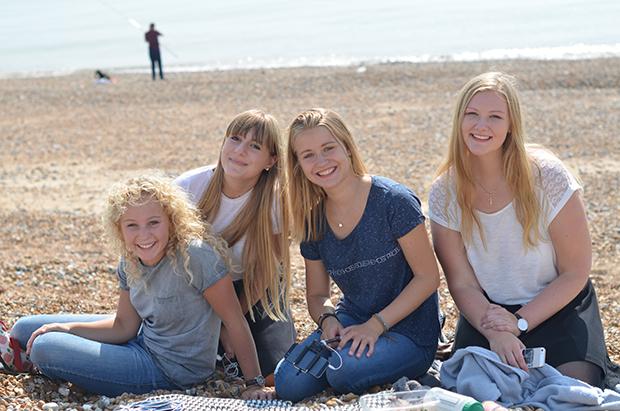 Jentene på stranda