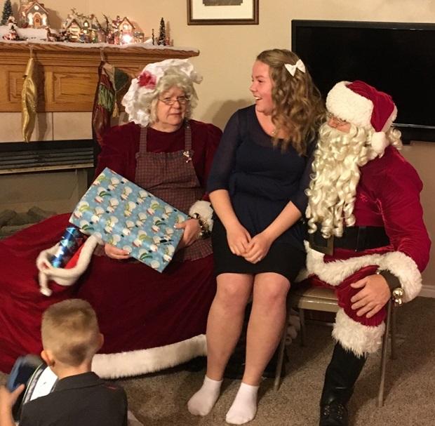 Aina har fått besøk av julenissen