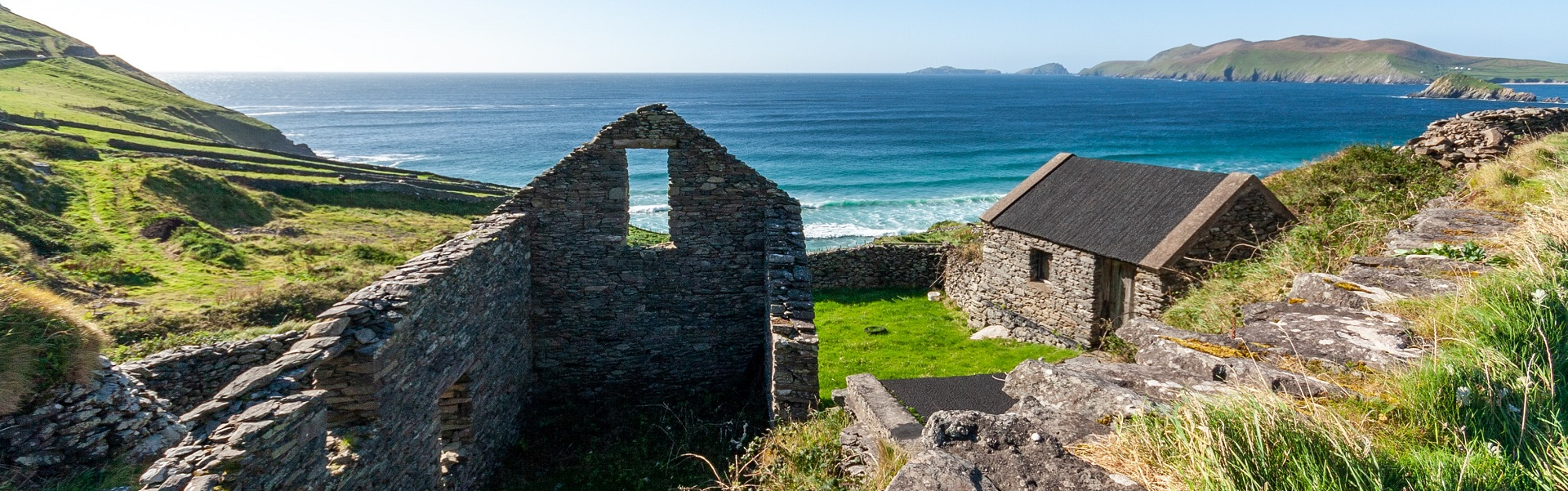 Irland, Wiese und Meer