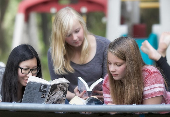 Gulf Islands School District-British Columbia-Students Reading-Thumbnail-Canada-2019