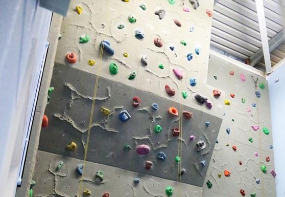 Educatius-UK-BexhillCollege-ClimbingWall-Gallery-2019