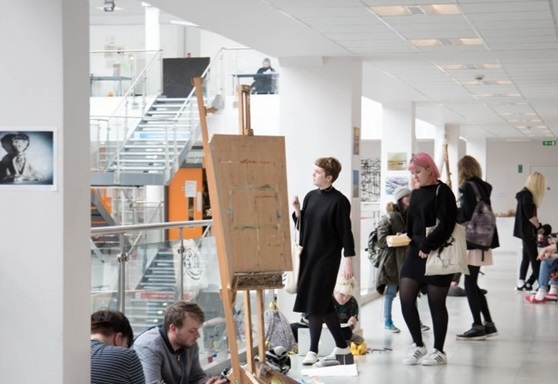 Art students at East Sussex College