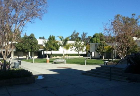 LasVirgenes-Highschool-CA-schoolyard-Gallery-US-2019