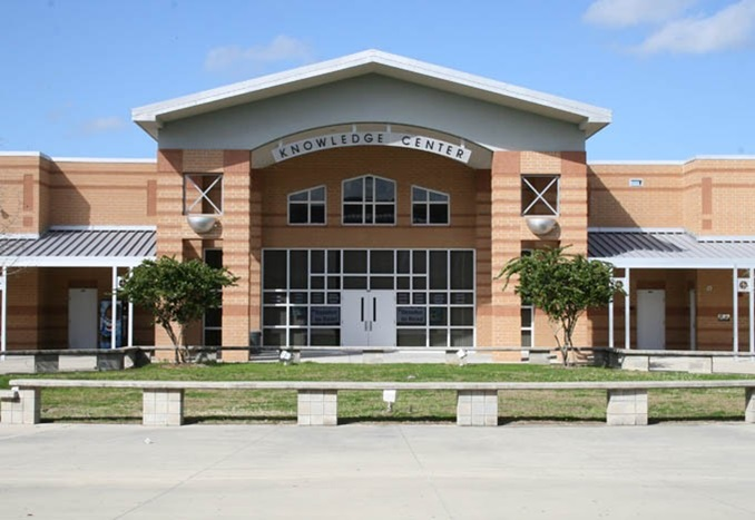 MArioncounty-Highschool-FL-Entrance-Thumbnail-US-2019