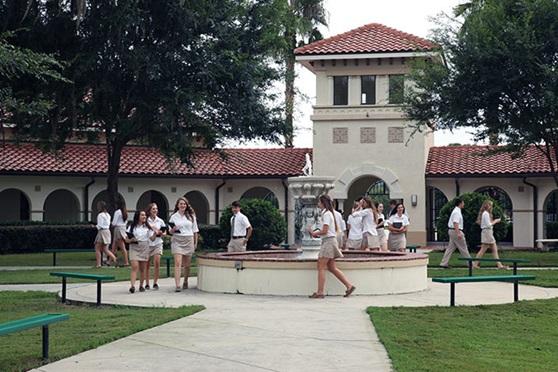 Trinity-Catholic-High-School-USA-FL-School-Yard-Gallery
