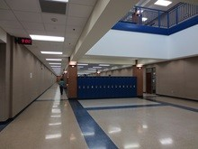 Urbandale-Highschool-Iowa-Hallway-Gallery-US-2019
