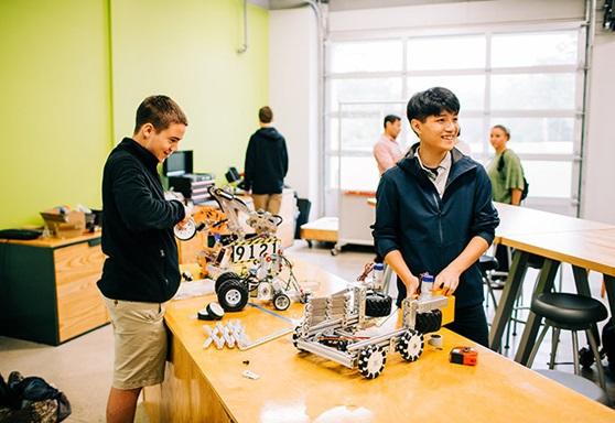 BenLippen-USA-SC-RoboticsClass-Gallery