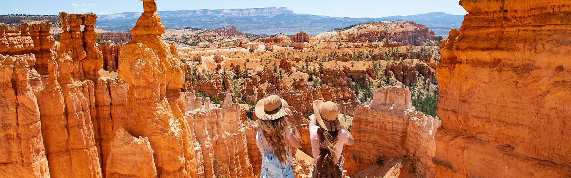 2 girls in a desert in Utah