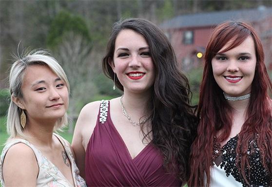 3 girls prom Vermont Academy