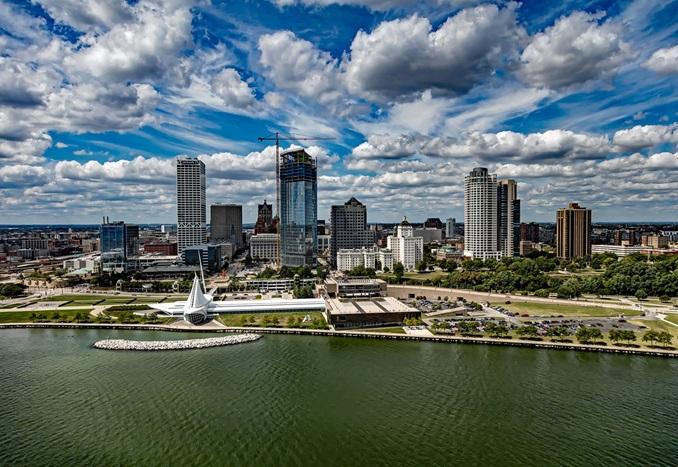 RegisHighSchool-PrivateDay-USA-Wisconsin-City