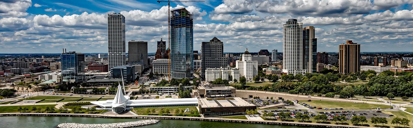 RegisHighSchool-PrivateDay-USA-Wisconsin-CityOverview